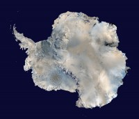Vue satellite de l'antarctique.